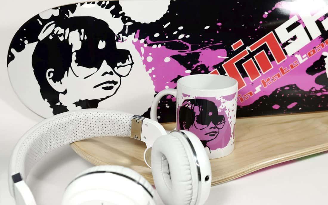 Nuria Skateboards Branding con Merchandysing
