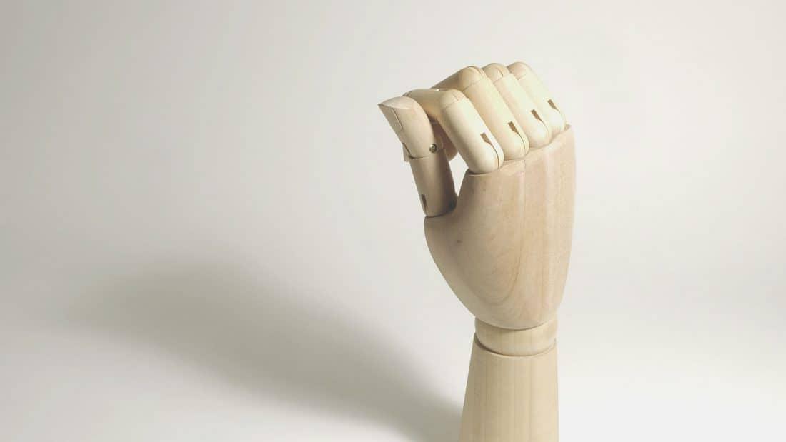 Hand García - Podemos hecharte una mano, literalmente.