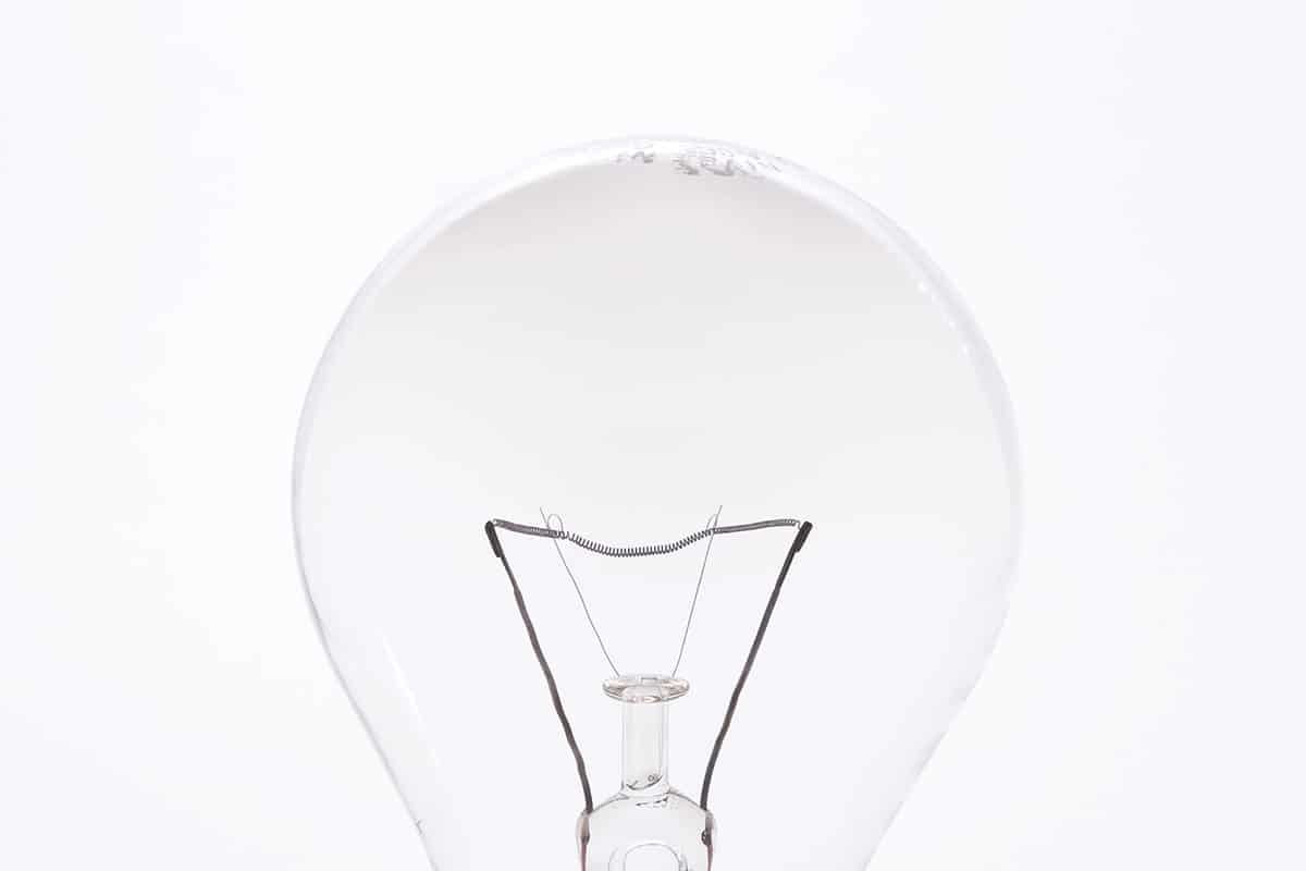 Fotografía Producto CG Bombilla filamento tungsteno 100W fondo blanco